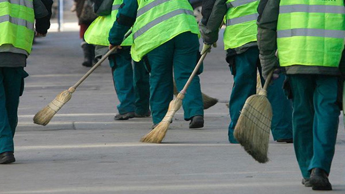 Image result for közmunkások